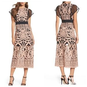 New Foxiedox Lace Rosabel Embroidered Midi Dress